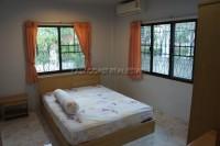 Eakmongkol Village 863647