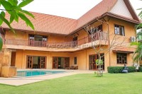 Lanna Villa Houses For Sale in  East Pattaya