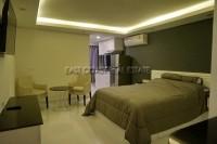 Pattaya Beach Condominium For Sale in  Pattaya City