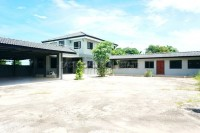 Private House in Soi Sang Petcharat Houses For Sale in  East Pattaya